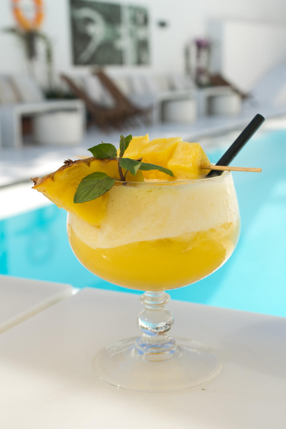 Zhero Hotel Palma Poolside Bar Cocktail Pina Colada