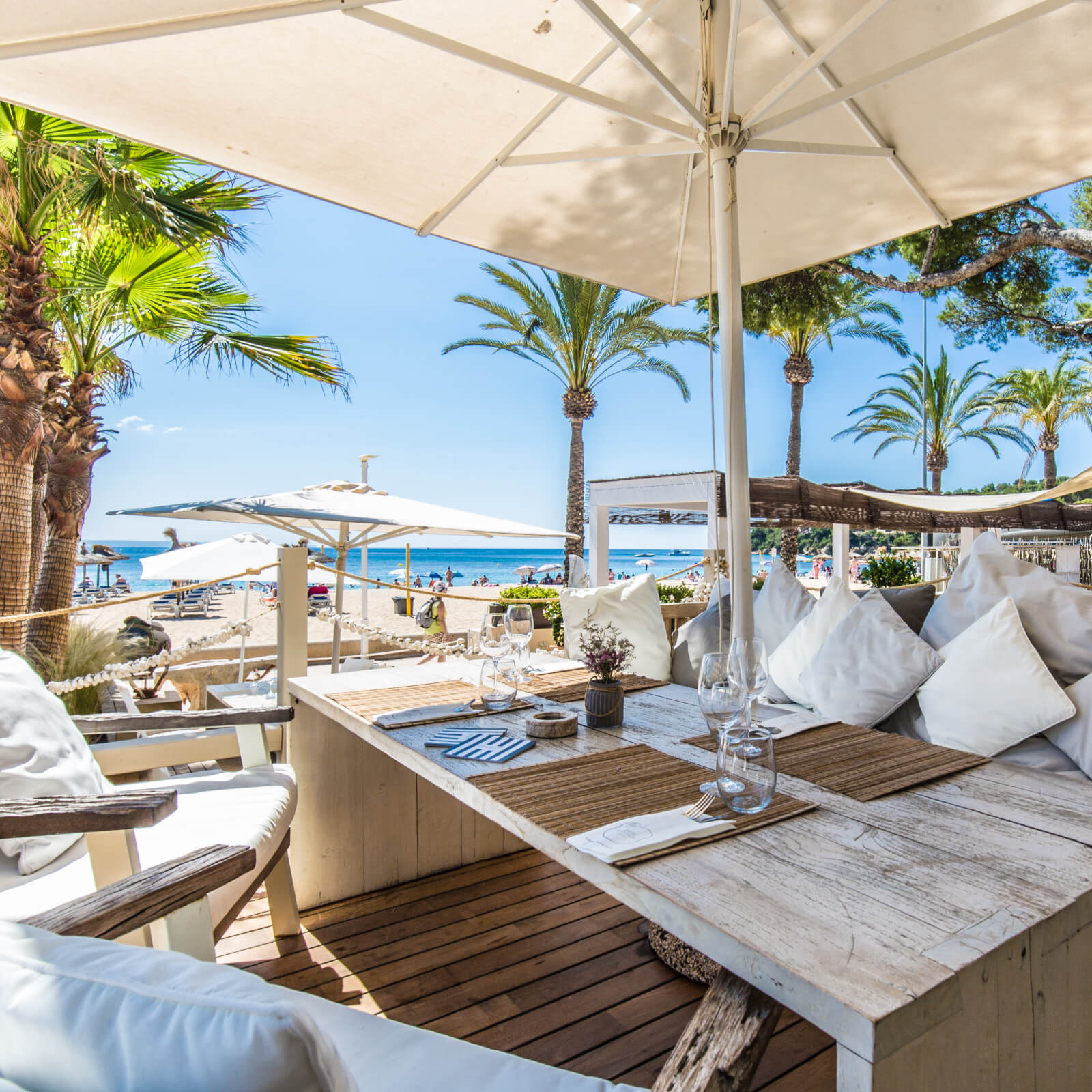 Zhero Boathouse Magaluf Mallorca Chillout-Restaurant Beachclub