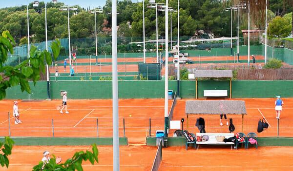 Spela tennis på Mallorca